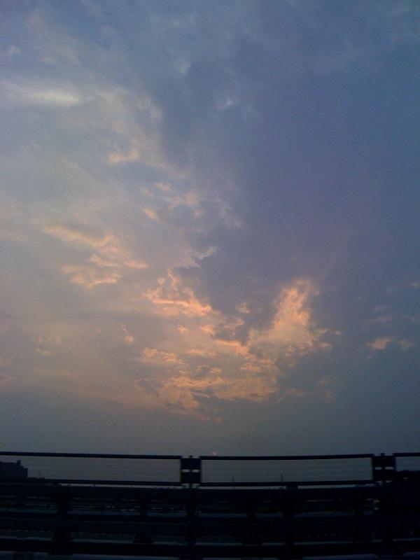 iPhoneで暮れ行く空を撮る